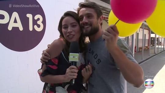 Rafael Cardoso ganha surpresa do 'Vídeo Show' no dia de seu aniversário