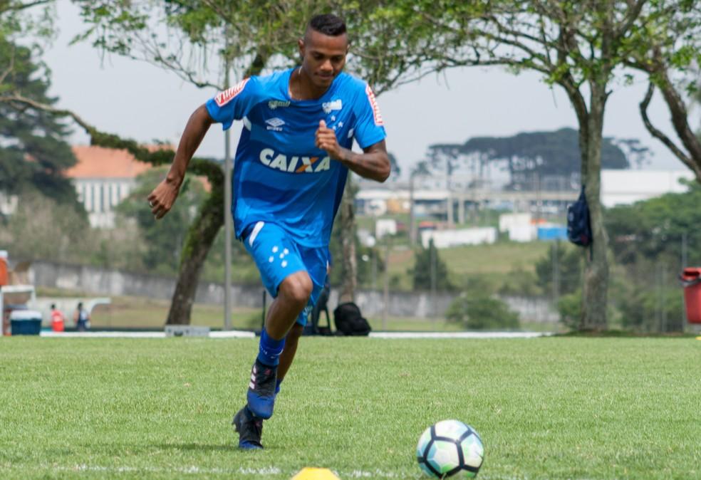 Volante Vander é um dos principais nomes do time do Cruzeiro que disputará a Copa São Paulo em 2018 (Foto: Gustavo Aleixo)
