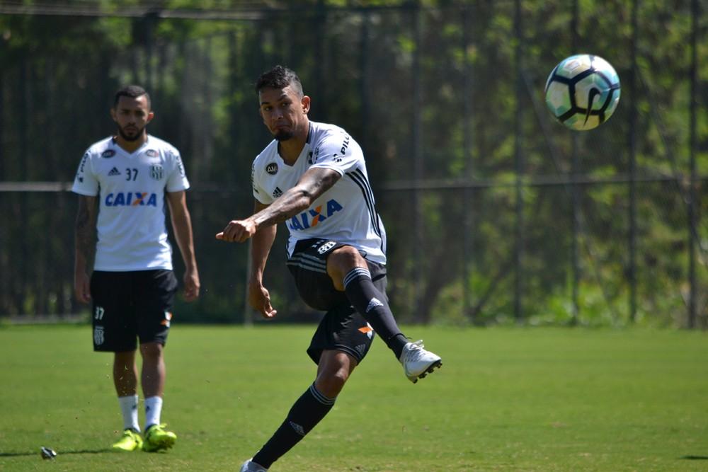 Cruzeiro oferece troca de Lucca por Hudson
