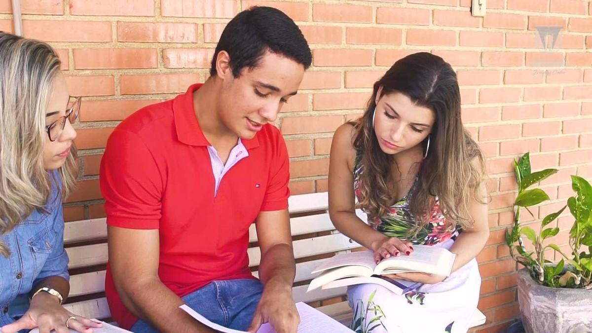 Conheça os cursos da Universidade de Vassouras nas áreas de humanas/sociais aplicadas - G1