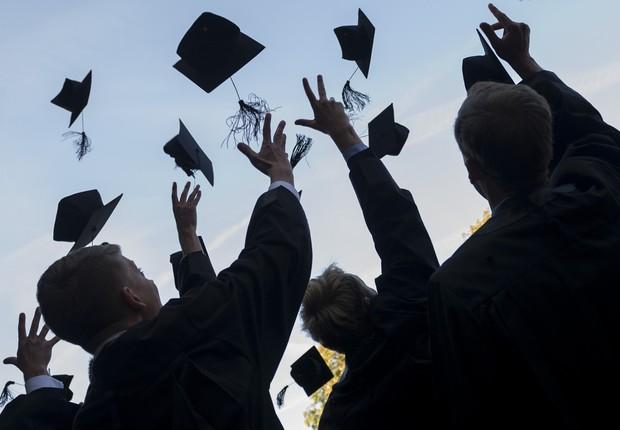 MBA - cursos - carreira - Alunos se formam em Master da HHL Leipzig Graduate School of Management  (Foto: Jens Schlueter/Getty Images)