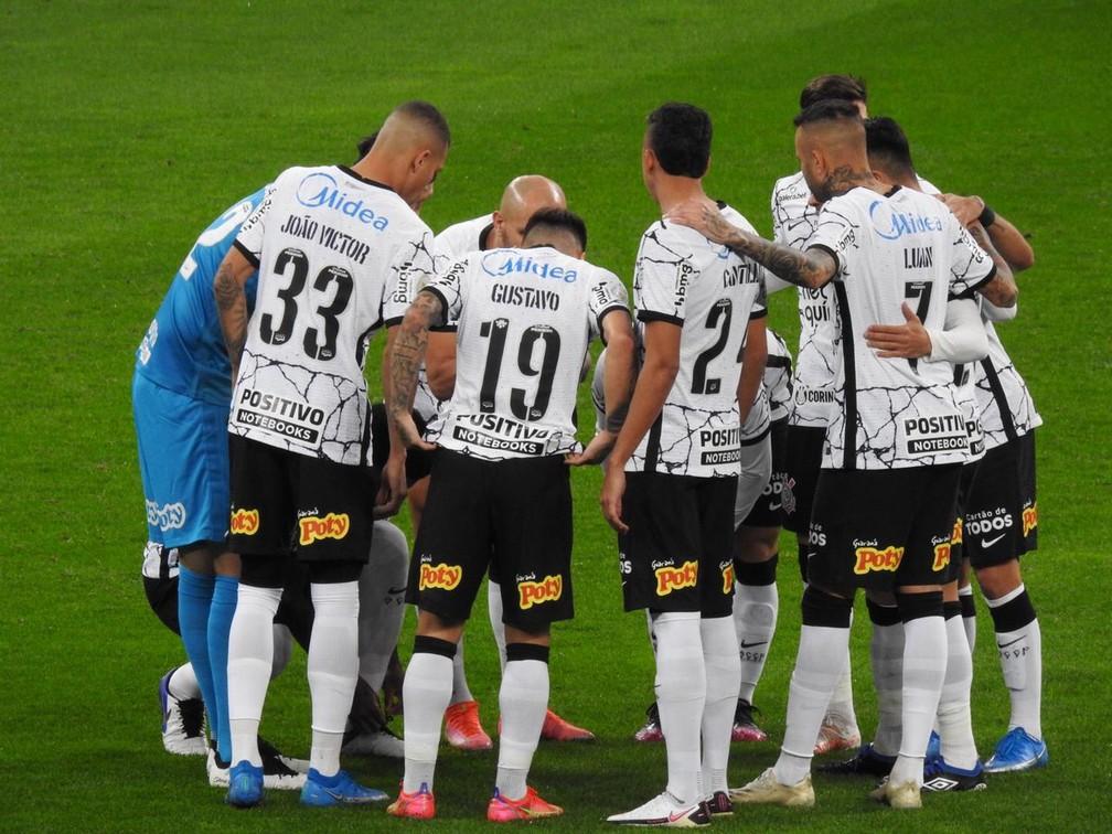 Notas da partida: Luan vai mal, João Victor tem falha decisiva, e Corinthians perde em casa