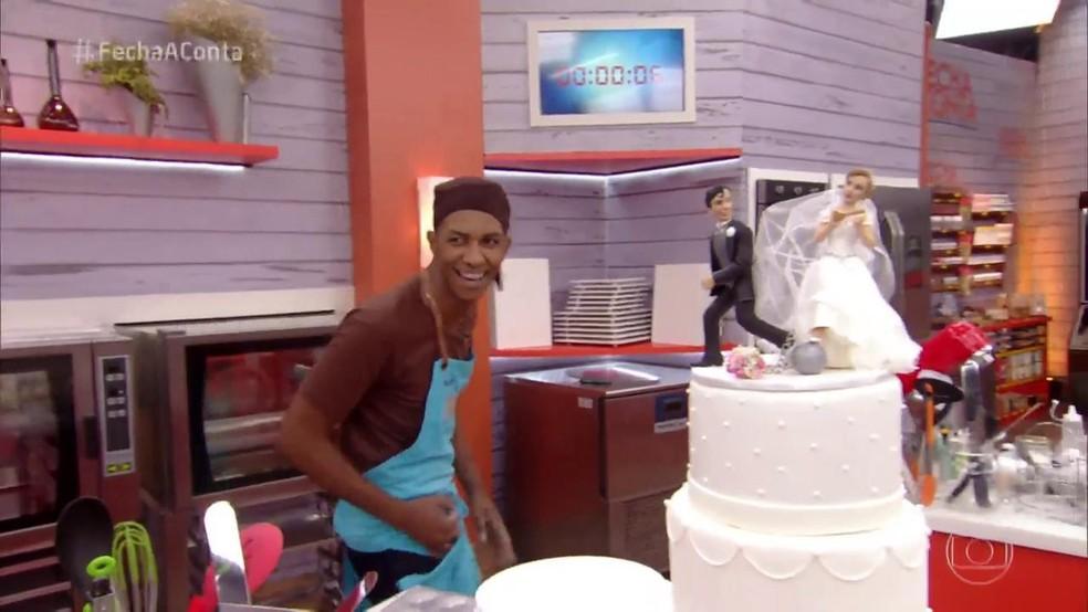 Mayron escolheu um bolo mais clássico â?? Foto: TV Globo