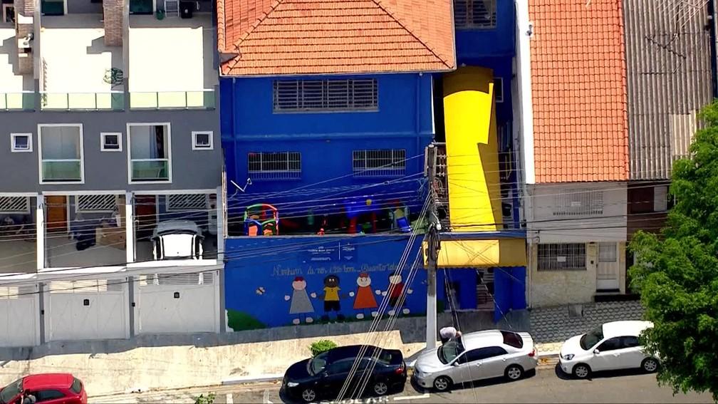 Escola na Penha, na Zona Leste de SP, foi a única municipal a reabrir nesta quarta  — Foto: Reprodução/TV Globo