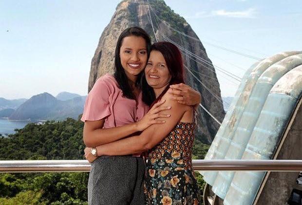 Gleici Damasceno e a mãe, dona Vanúzia (Foto: Reprodução/Instagram)