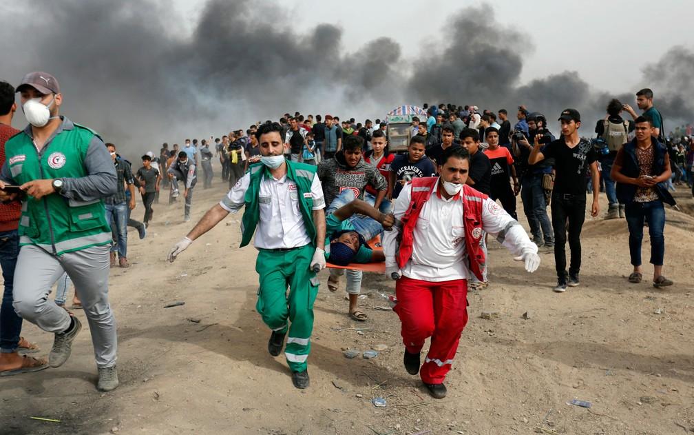 Resultado de imagem para Um palestino morre e 147 ficam feridos em protestos em Gaza