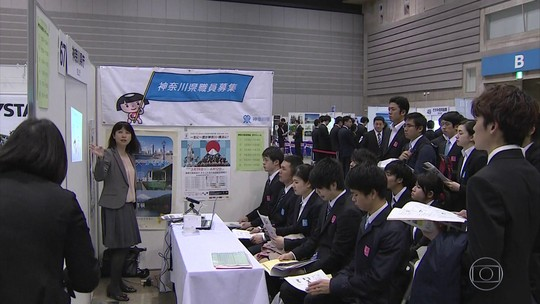 No Japão, sobra emprego para jovens e empresas disputam candidatos