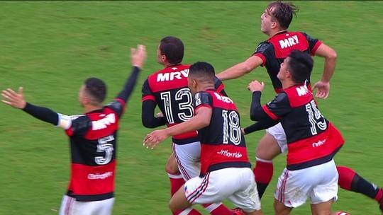 Gol do Flamengo! Yuri cruza, e Bernardo abre o placar, aos 31' do 2º tempo