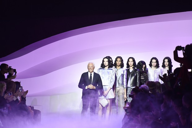 Giorgio Armani at his Spring/Summer 2016 Haute Couture show finale (Foto: Getty Images)