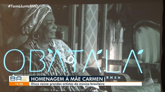 Lançamento do CD que homenageia Mãe Carmen tem participações de Ivete, Daniela e Gil