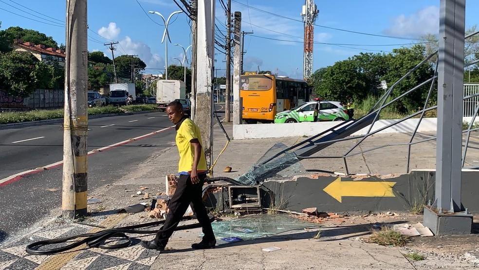 Acidente aconteceu na manhã desta quarta-feira — Foto: Victor Silveira/TV Bahia