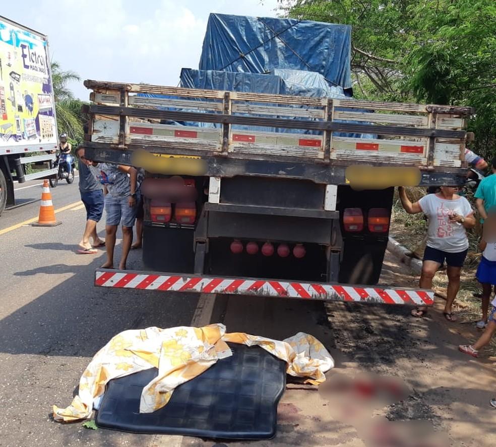 Acidente na BR-010 causou a morte de uma menina de 11 anos  — Foto: Divulgação/PRF