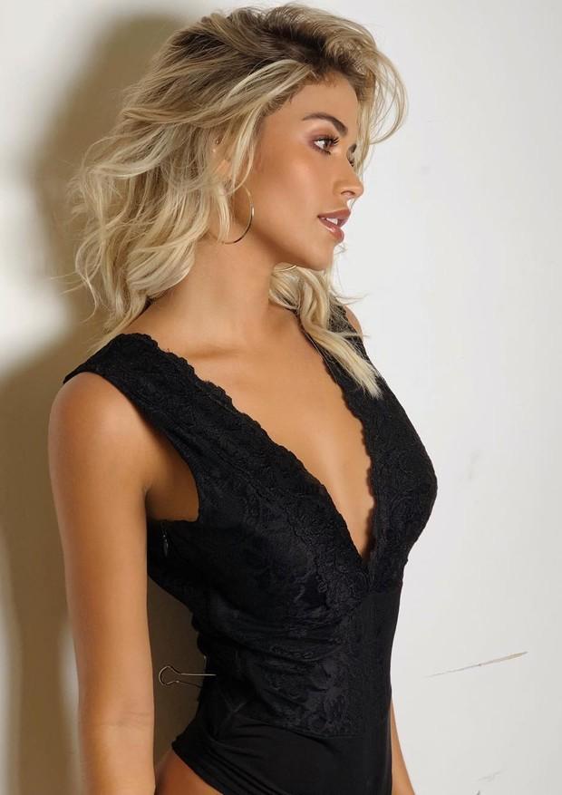 Carol Dias aparece linda de body de lingerie (Foto: Reprodução/Instagram)