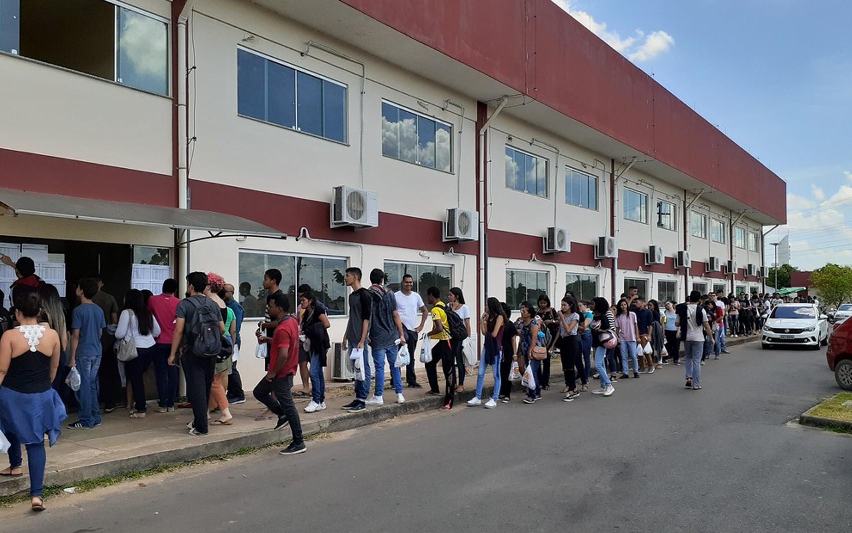 Portões abrem às 11h para quem vai fazer segundo dia do Enem 2019 em Roraima - Notícias - Plantão Diário