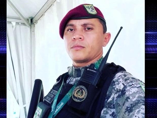 Soldado Complexo da Maré Rio JG (Foto: Reprodução: TV Globo)