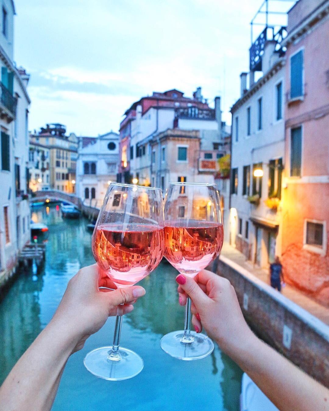 Vinho rosé (Foto: Instagram/Reprodução)