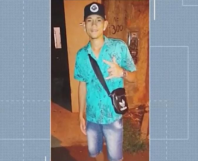 PMs são afastados por suspeita de matar jovem de 21 anos em bar na Bahia; vítima defendeu amorada de assédio