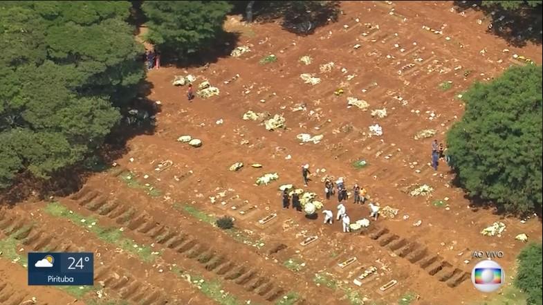 Prefeitura de SP nega que covas em cemitério da Vila Formosa foram abertas por causa de vítimas de coronavírus