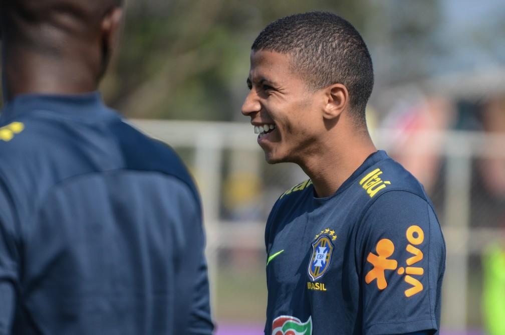 Palmeiras confirma proposta por Marquinhos Cipriano e aguarda resposta do Shakhtar