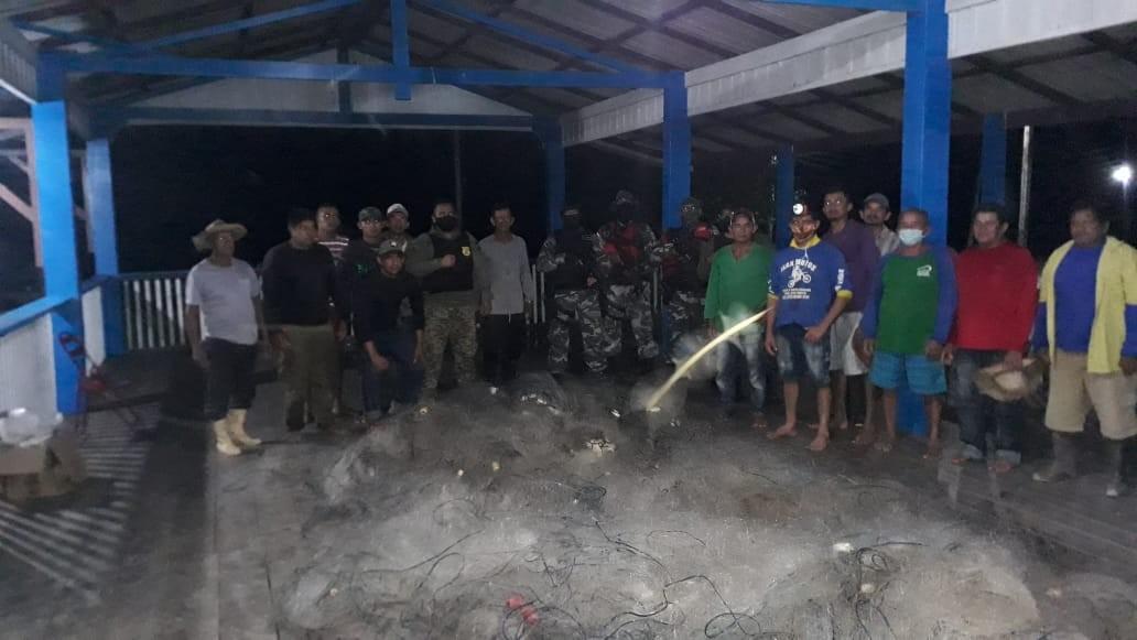 Fiscalização ambiental apreende 3 mil metros de malhadeiras e 5 rabetas na região do Ituqui, em Santarém