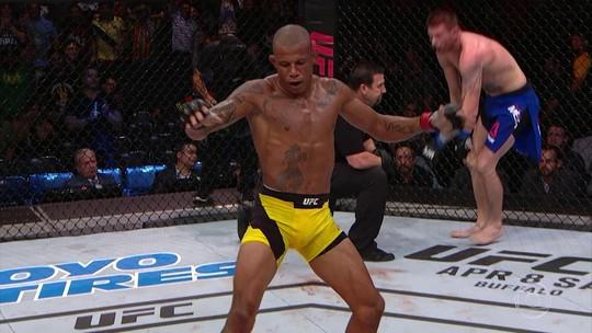 """Cowboy vê fim da rusga com Means, e enxerga vitória para """"seguir no MMA"""""""