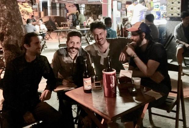 Gabriel Braga Nunes e o grupo do projeto: Lucas Hoffman, Fernando Oliveira e Leo Mayer (Foto: Arquivo pessoal)