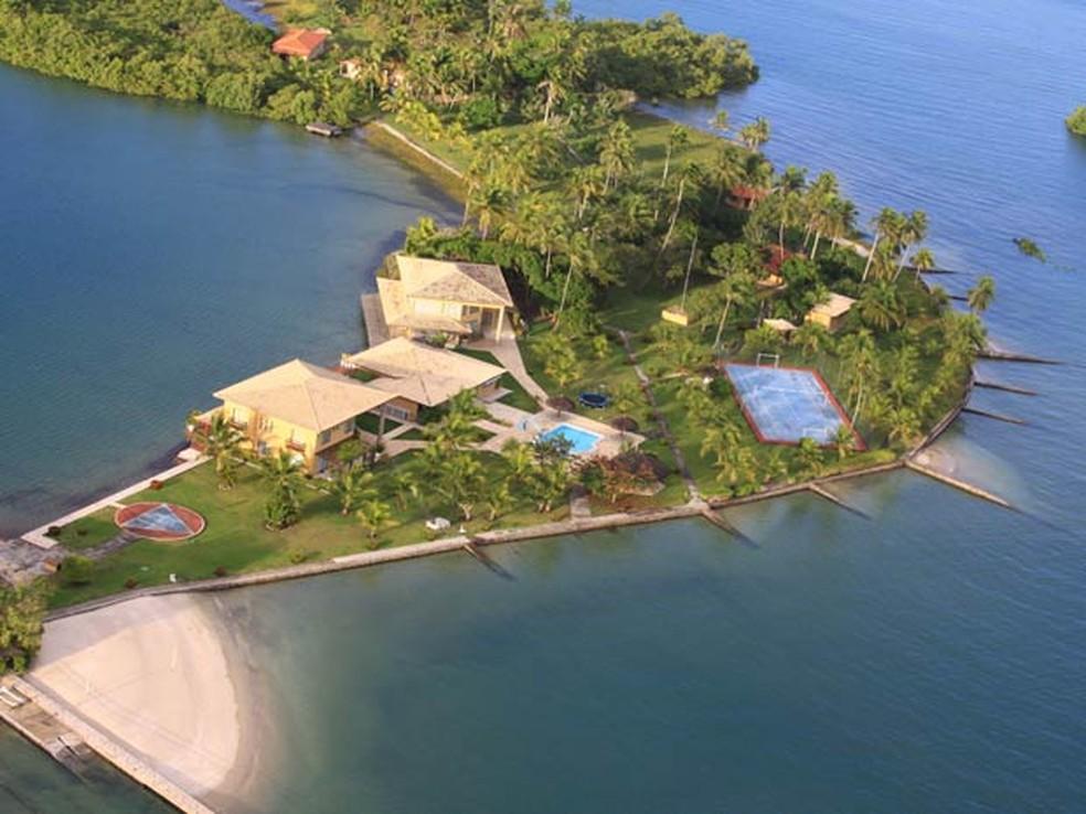 Fotos da ilha na Baía de Todos os Santos que foi um dos alvos da operação.  — Foto: Divulgação/Receita Federal