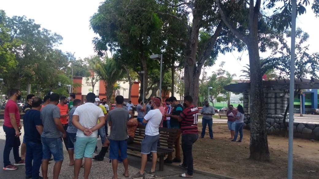 Motoristas de aplicativos fazem protesto por mais segurança em ruas de Rio Branco