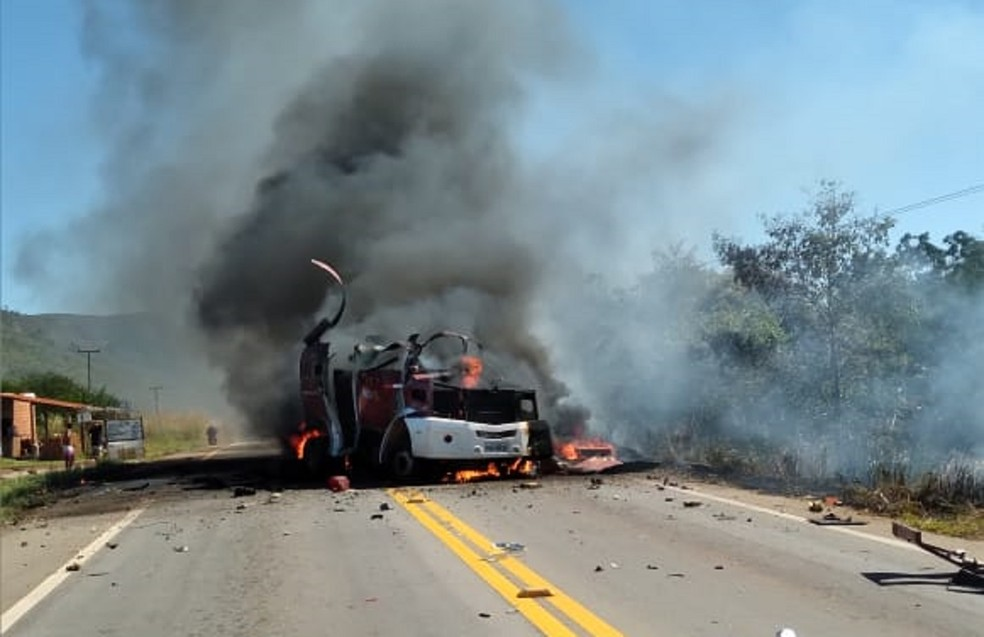 Bandidos explodem carro-forte em Piquet Carneiro, no interior do Ceará — Foto: Reprodução