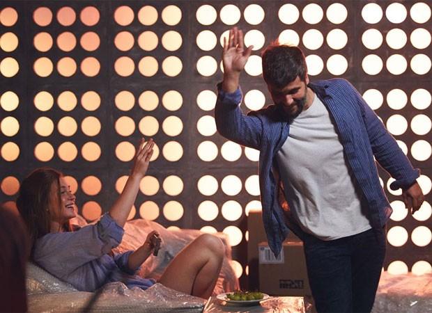 Marina Ruy Barbosa e Bruno Gagliasso em cena de Todas as Canções de Amor (Foto: Divulgação)