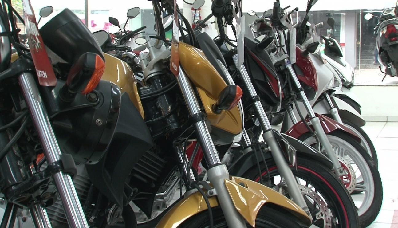 Cinco mil motos são vendidas em setembro no Paraná, e clientes relatam espera por unidades compradas
