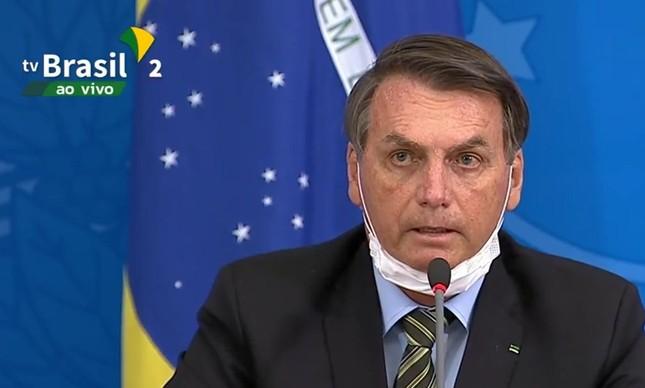 Palanque eletrônico: Jair Bolsonaro em mais um discurso na TV Brasil