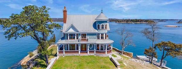 Ilha privada com casa vitoriana nos EUA é colocada à venda por R$12,2 milhões  (Foto: Reprodução / Vladi Private Islands)