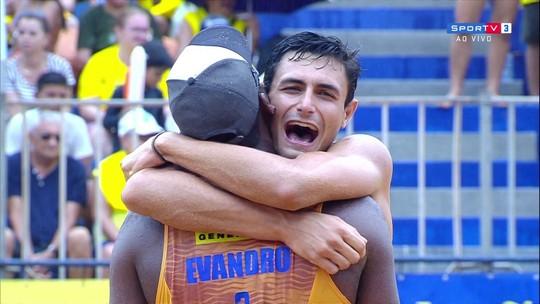 André e Evandro vencem Alison e Bruno Schmidt e levam etapa do circuito brasileiro