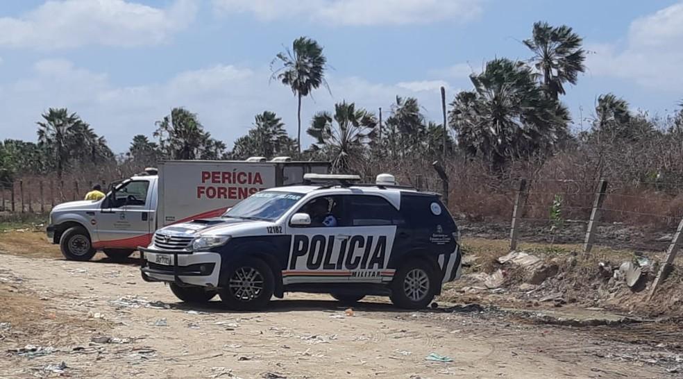 Homem é achado morto em matagal no Ceará — Foto: Leábem Monteiro/SVM
