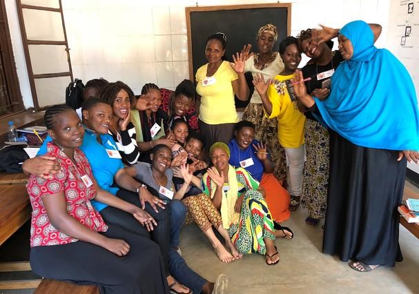 Fernanda e seu grupo de alunas  (Foto: Divulgação)
