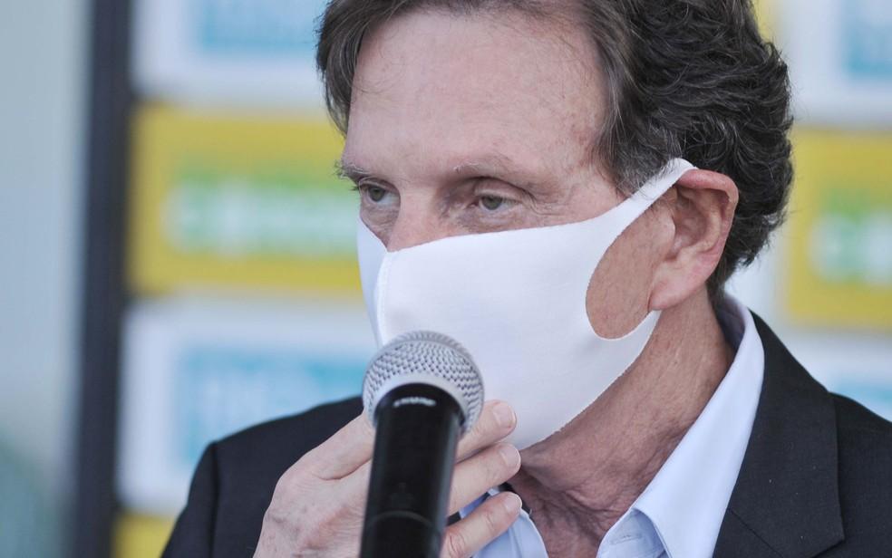 O prefeito do Rio de Janeiro, Marcelo Crivella, durante entrevista no dia 25 de maio — Foto: Saulo Angelo/Futura Press/Estadão Conteúdo