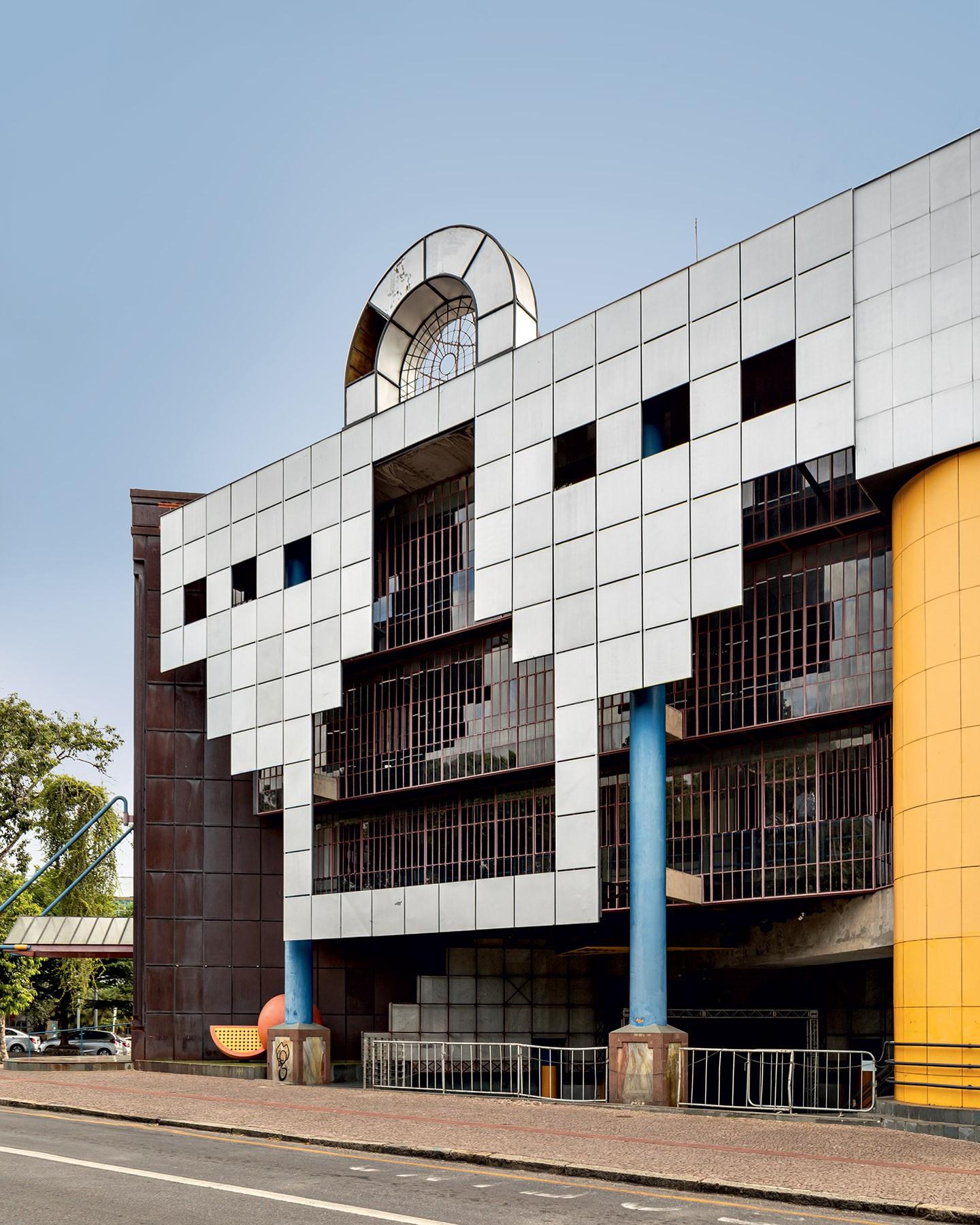 Arquitetura pós-moderna: como o estilo surgiu ganhou novos contornos em Minas Gerais e se espalhou pelo Brasil (Foto: Fran Parente)
