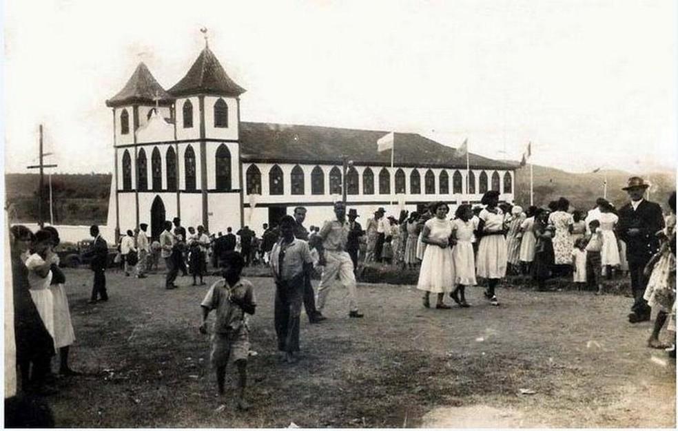 Foto antiga da Igreja do Senhor do Bonfim — Foto: Paróquia Senhor do Bonfim/Arquivo