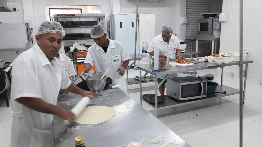 Moradores de baixa renda de área de pontes de Macapá participam de cursos técnicos gratuitos - Notícias - Plantão Diário