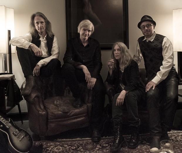 Patti Smith e banda (Foto: Divulgação/Steven Sebring)