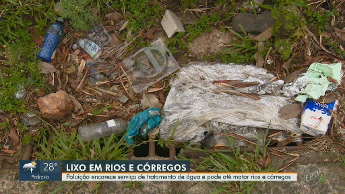 Responsável por abastecer 95% de Campinas, Rio Atibaia recebe 14 toneladas de lixo por mês - G1