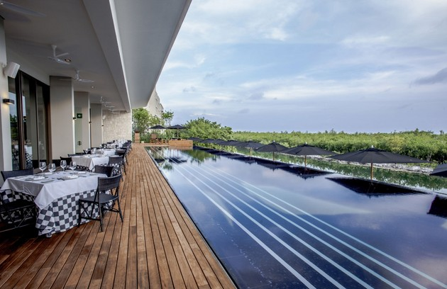 Um dos restaurantes do resort (Foto: Reprodução/Nizuc)