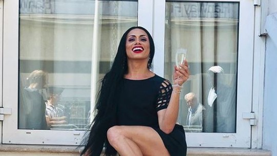 Silvero Pereira aparece deslumbrante em fotos e brinca: 'Minha versão Gabriela'