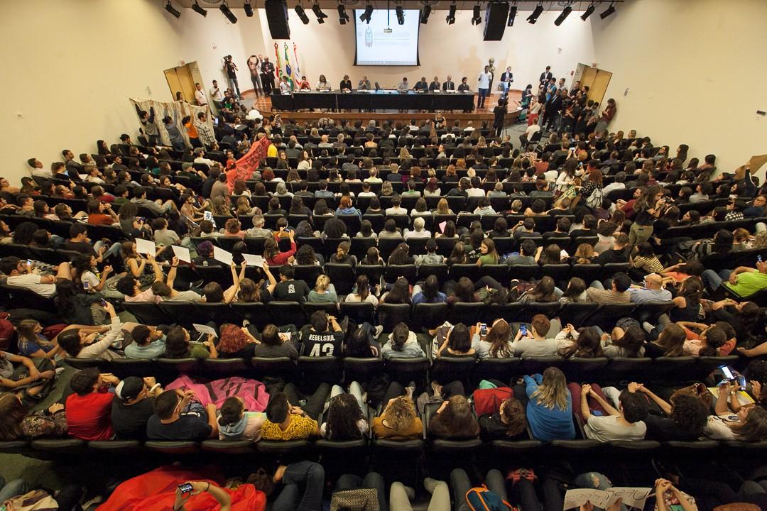 Audiência na Alesc discute bloqueio no orçamento da UFSC