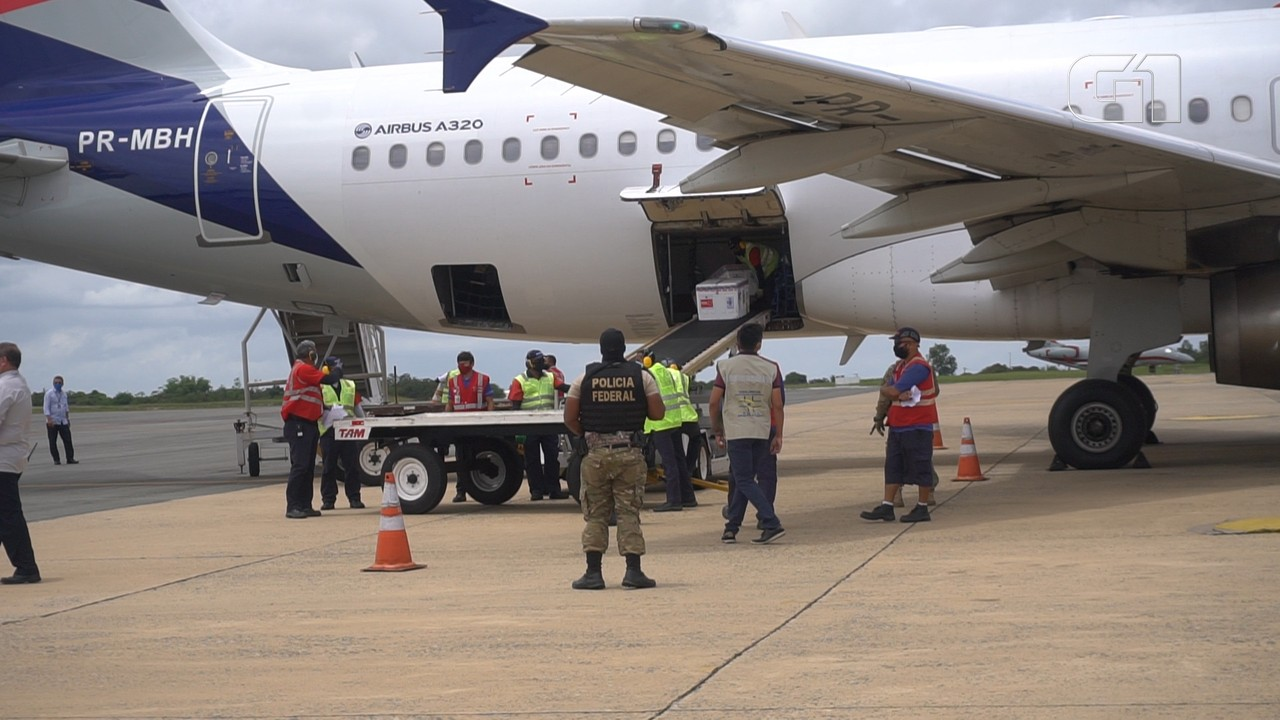 Maranhão recebe 49.500 doses da vacina de Oxford/AstraZeneca contra a Covid-19