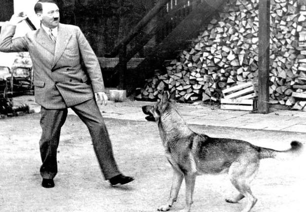 Ao longo dos anos, informações sobre contas ligadas a Hitler surgiram em outros países, como a Suíça (Foto: Getty Images via BBC)