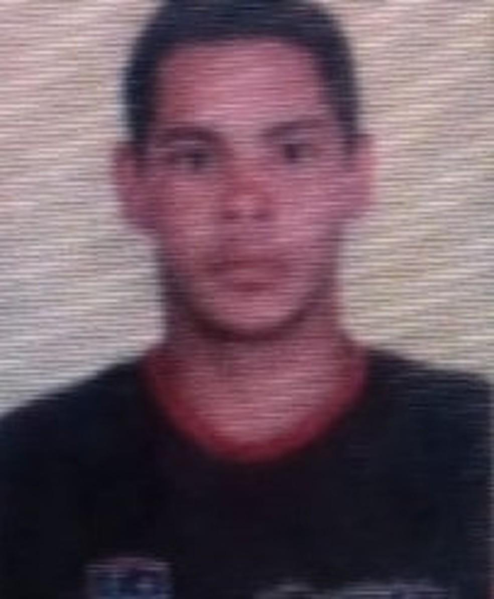 Magneto Junior Ribeiro do Nascimento conduzia a embarcação com os alunos e foi uma da vítimas fatais — Foto: Reprodução