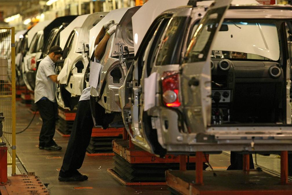 Veículos EcoSport são montados na fábrica da Ford em Camaçari, na Bahia, em outubro de 2007 — Foto: Wilson Pedrosa/Estadão Conteúdo/Arquivo