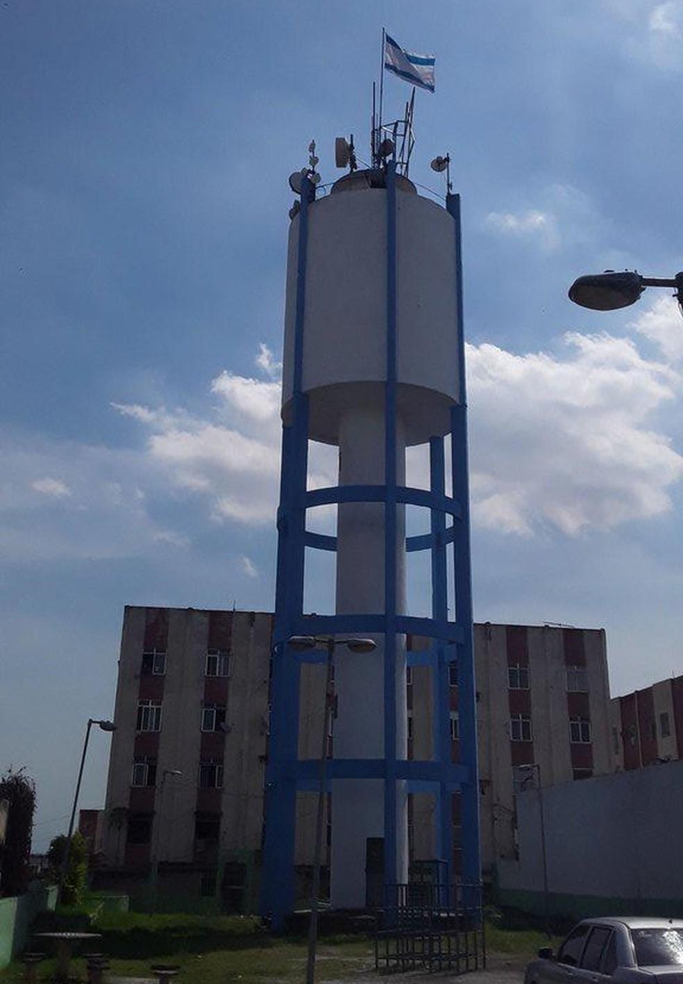 Bandeira de Israel no alto da comunidade de Cidade Alta, na Zona Norte do Rio — Foto: Reprodução